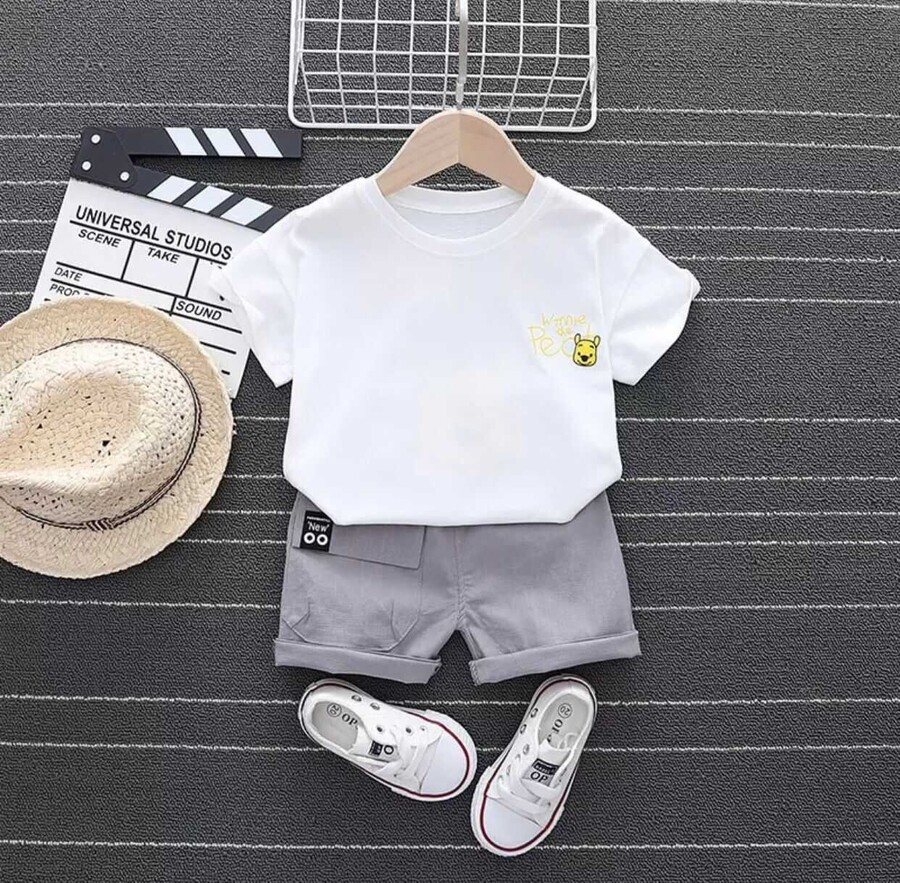 SUM211 - Beyaz Winnie The Pooh T-shirt Şort 2'li Takım