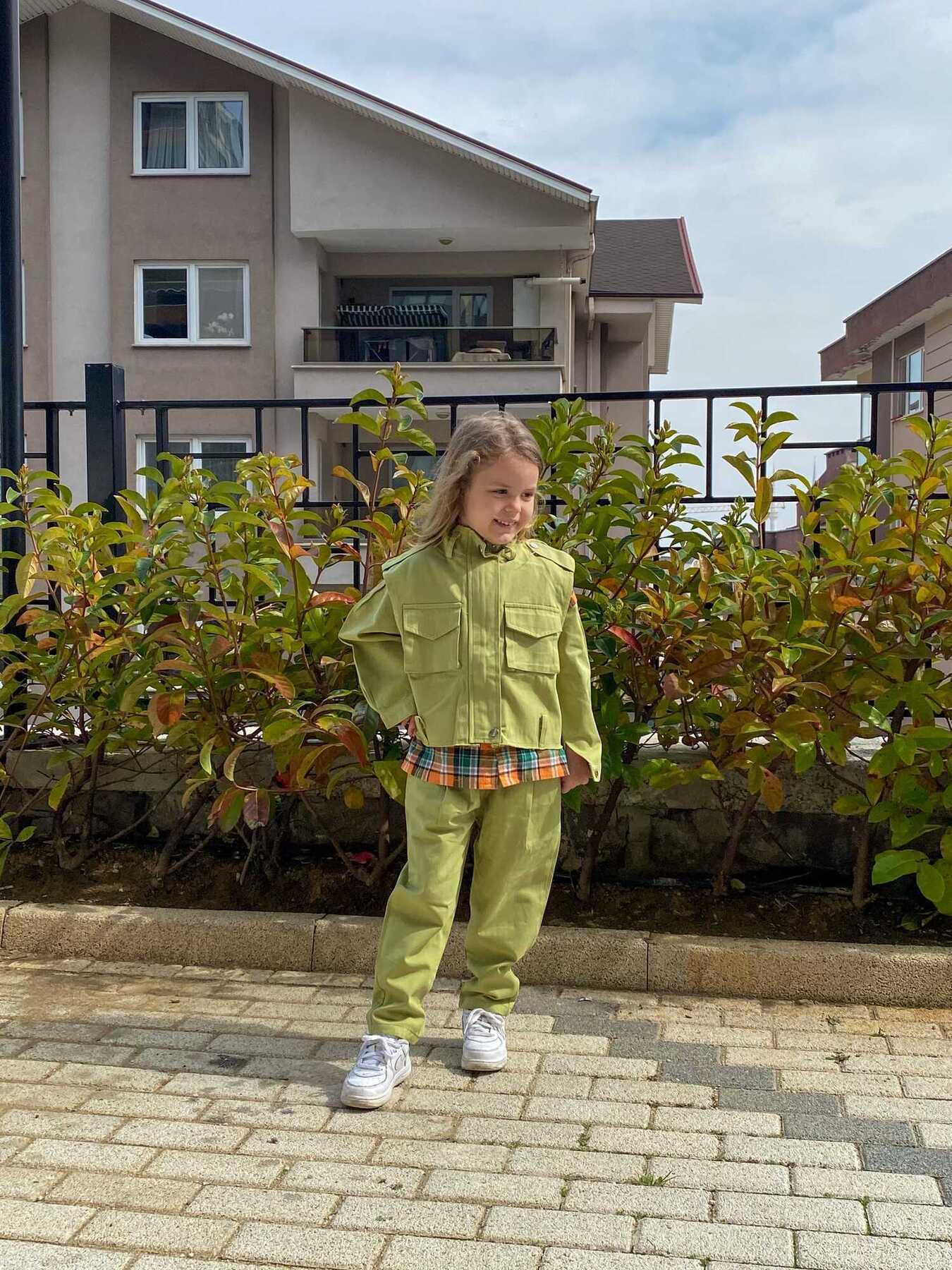 Ekoseli Gömlek, Yeşil Yelek Ve Pantolon 3'lü Set