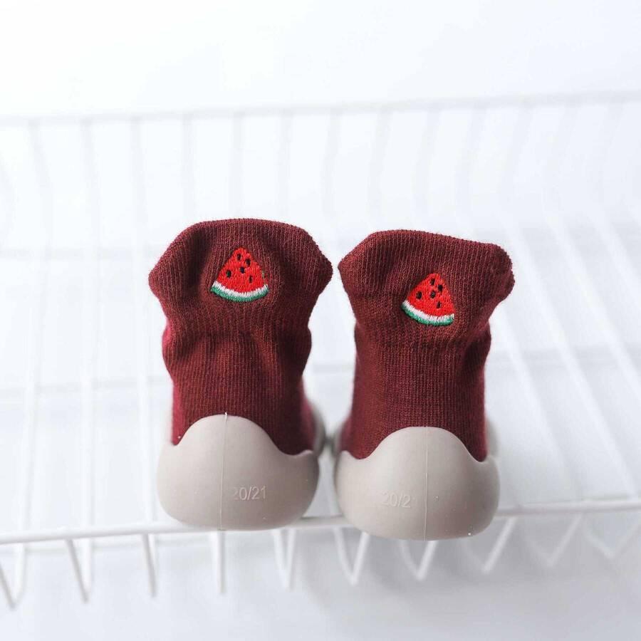 SS212 - Kırmızı Çorap Görünümlü Ayakkabı