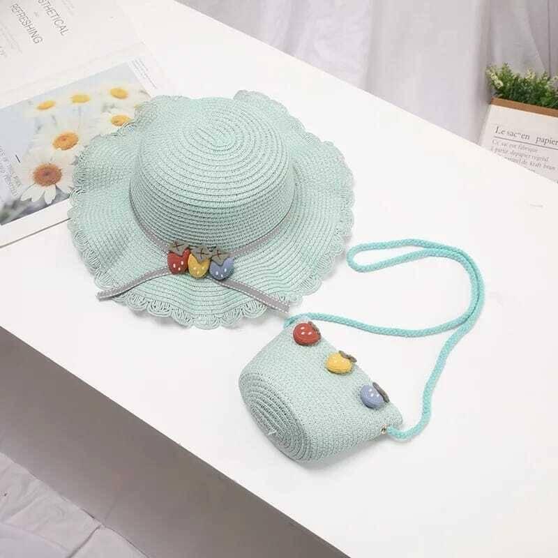 SS212 - Yeşil Renkli ÇilekDesenli Şapka Ve Çanta 2'li Set
