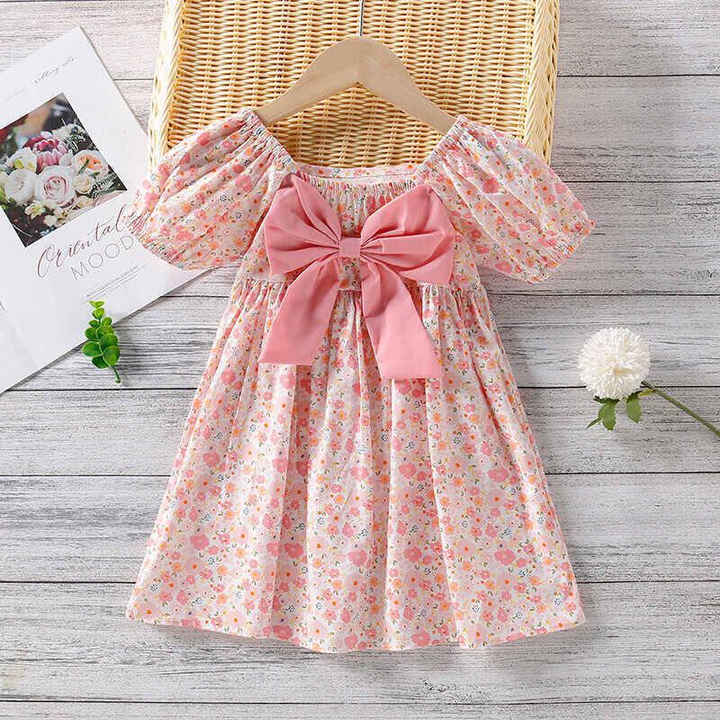 SUM21 - Pembe Fiyonklu Çiçek Detaylı Elbise