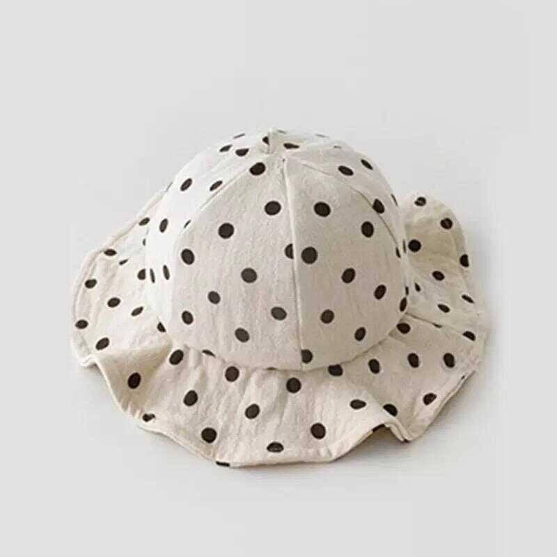 SS212 - Siyah Puantiyeli Beyaz Şapka