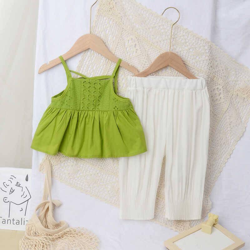 SUM211 - Yeşil Bluz Beyaz Pantolon
